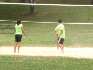 A few ProCSI 2011 members play volleyball